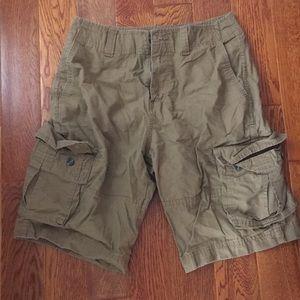 Mossimo mens cargo shorts. Size 30.